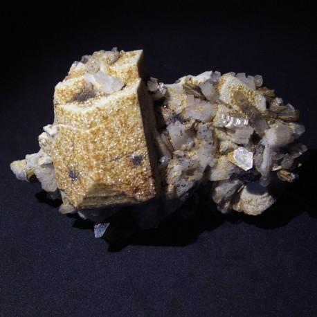 Albita, ortosa, fluorapatito