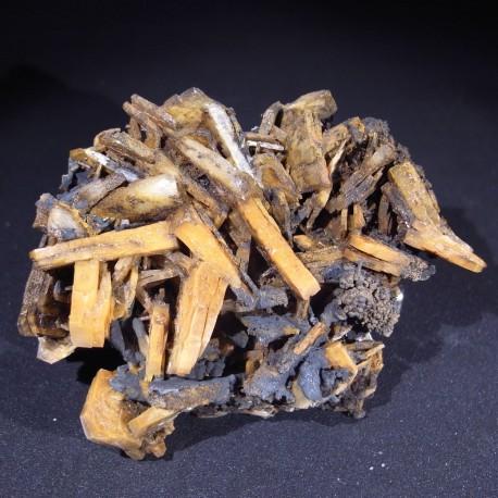 Baryte, manganese oxide